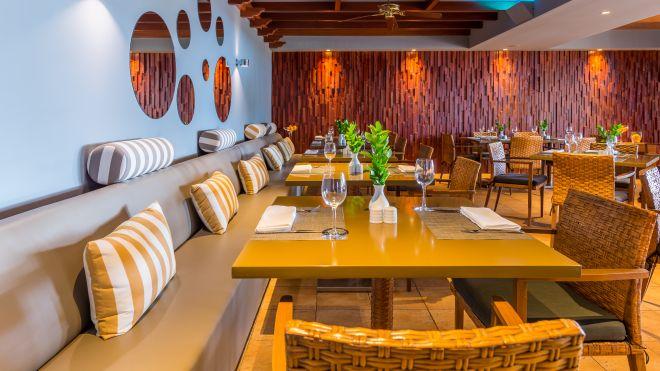 Restaurante Onda Azul Calheta Beach