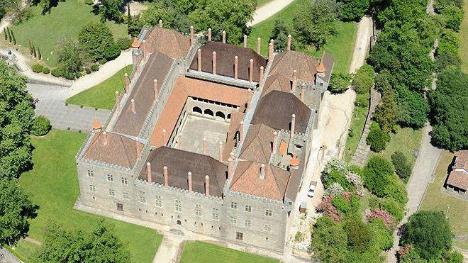 Paço dos Duques de Bragança 地方: Guimarães 照片: Direcção Regional de Cultura do Norte