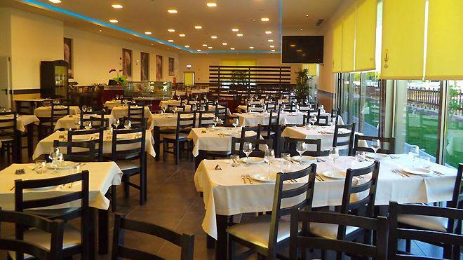 Pão de Alcobaça Restaurante Local: Alcobaça