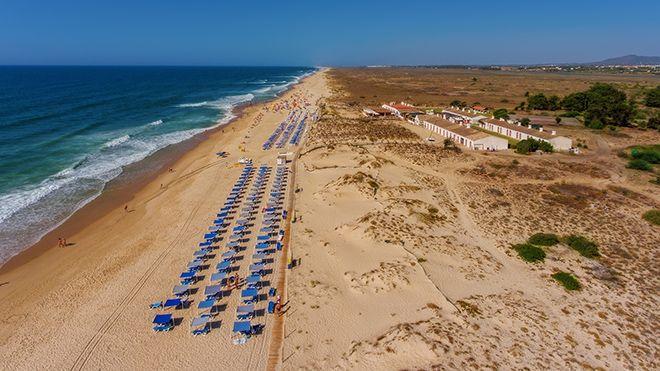 Praia do Barril Plaats: Tavira Foto: Shutterstock_AG_Sergio Stakhnyk