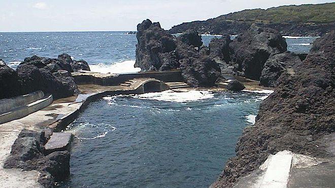 Zona Balnear do Varadouro Local: Horta - Faial Foto: ABAE