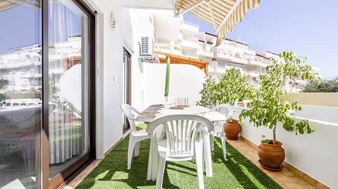 Altura Inn Terrace Photo: Altura Inn Terrace