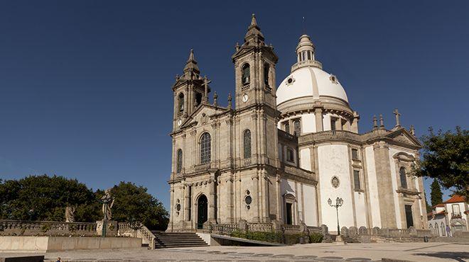 Santuário de Nossa Senhora do Sameiro 場所: Braga 写真: Francisco Carvalho - Amatar
