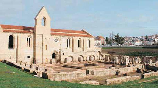 Mosteiro De Santa Clara A Velha Www Visitportugal Com