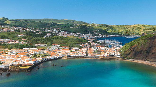 View to Horta city from Porto Pim Bay Local: Horta_Faial Island_Azores Foto: Gustav