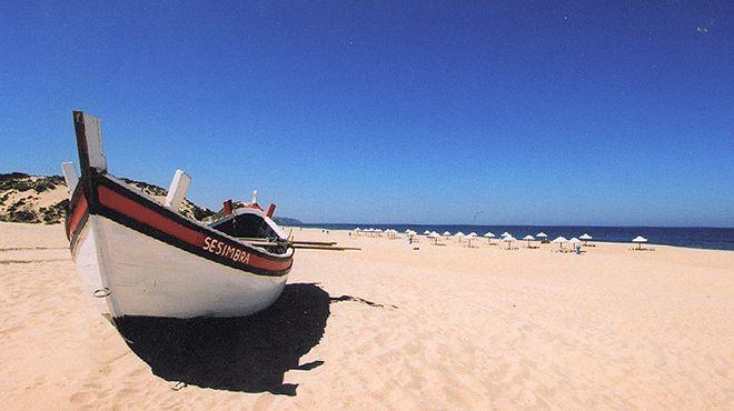 Praia do Moinho de Baixo Ort: Sesimbra Foto: ABAE
