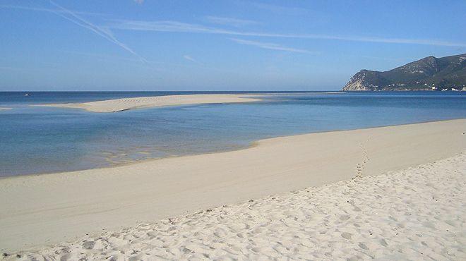 Praia da Figueirinha Luogo: Setúbal Photo: ABAE