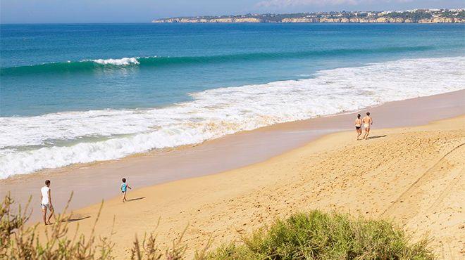 Praia Grande - Armação de Pera Foto: Helio Ramos - Turismo do Algarve