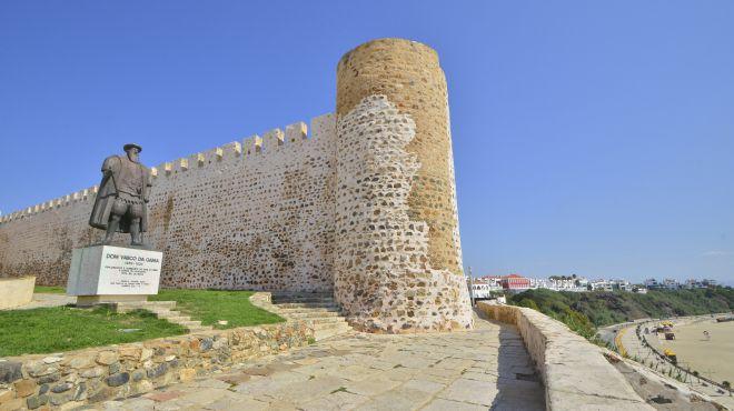 Sines castle and Vasco da Gama statue Lugar Sines castle  Foto: Turismo Alentejo