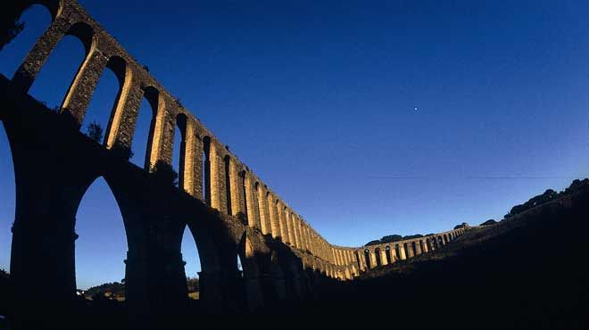 Aqueduto de Pegões Altos Lugar Tomar Foto: Região de Turismo dos Templários
