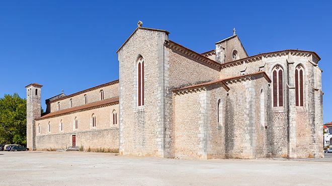 Igreja de Santa Clara Место: Santarém Фотография: Shutterstock_StockPhotosArt