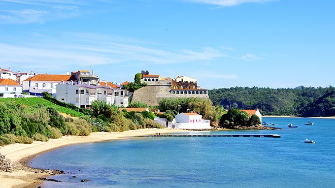 Praia da Franquia Place: Vila Nova de Milfontes - Odemira Photo: Shutterstock_AT_Inacio Pires