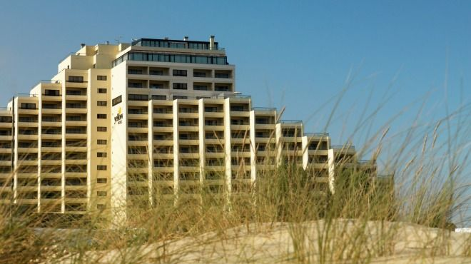 Yellow Monte Gordo Hotel