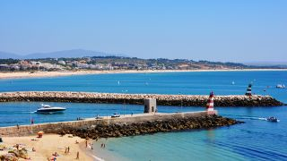 Praia Lieu: Lagos Photo: Turismo do Algarve
