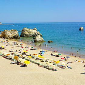 Praia dos Três CastelosLieu: PortimãoPhoto: Turismo do Algarve