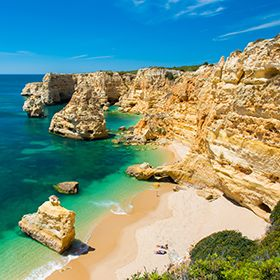 Praia da MarinhaPlaats: LagoaFoto: Shutterstock_AG_Simon Dannhauer