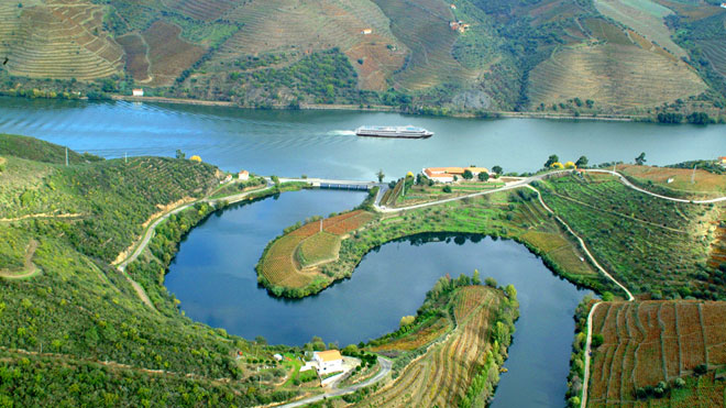 Douro Valley ©Porto Convention & Visitors Bureau