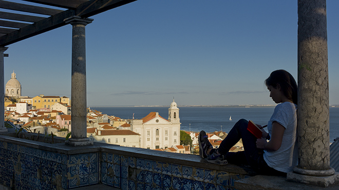 Lisboa - Miradouro de Santa Luzia - Clara Azevedo