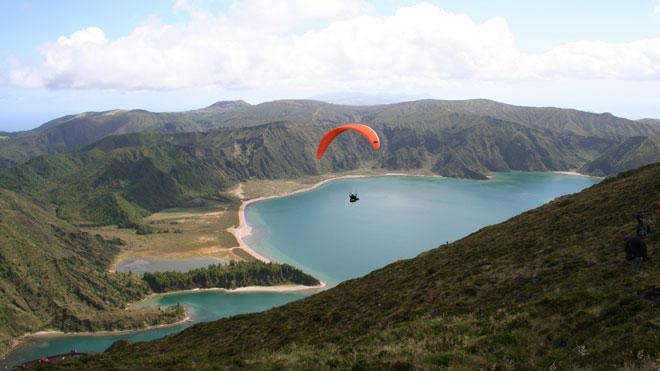 Paragliding_Fogo Lake_by Clube Asas do Atlântico and Turismo dos Açores